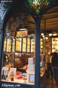 Escribà cake shop, Sant Jordi window-shop